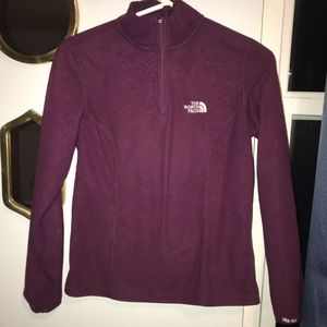 The north face pullover small